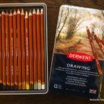 大手町タワーB2Fの「ノイシュタッドブルーダー大手町店」で買った「DERWENT]の色鉛筆